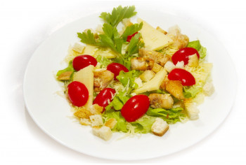 Салат мясной - «Цезарь с курицей»