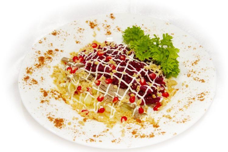 Салат мясной - «Гранатовый браслет»