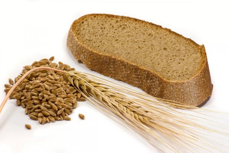 Хлеб черный - кусочек